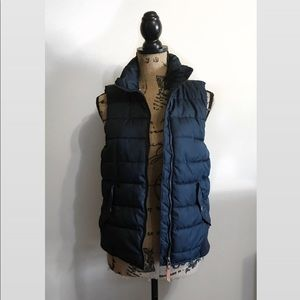 H&M- Navy Puffer Vest
